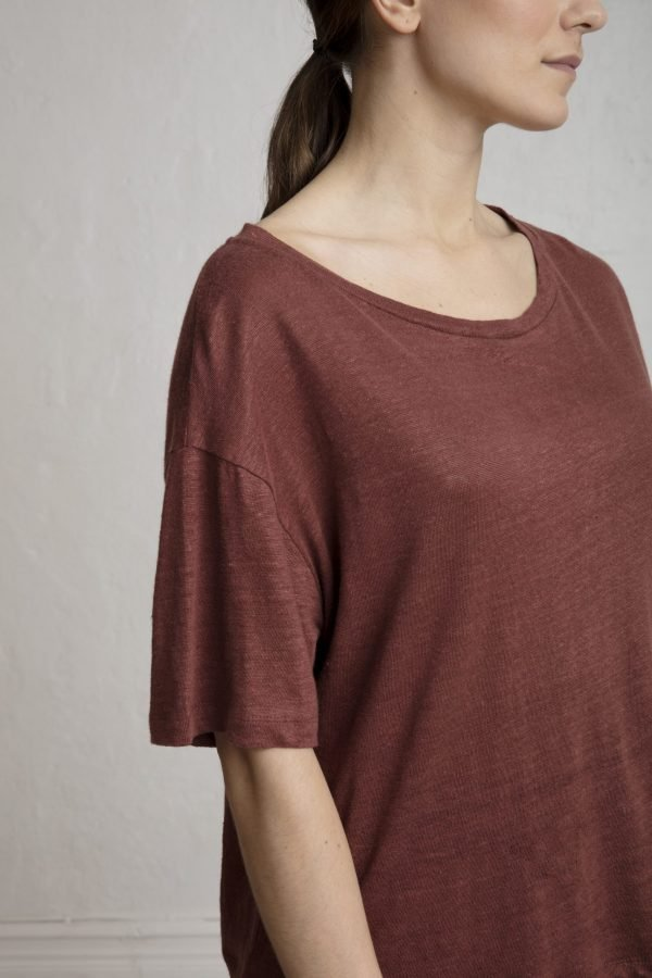 Raya Linen Tee in Cinnamon - Luxury that doesn't fuck up our planet