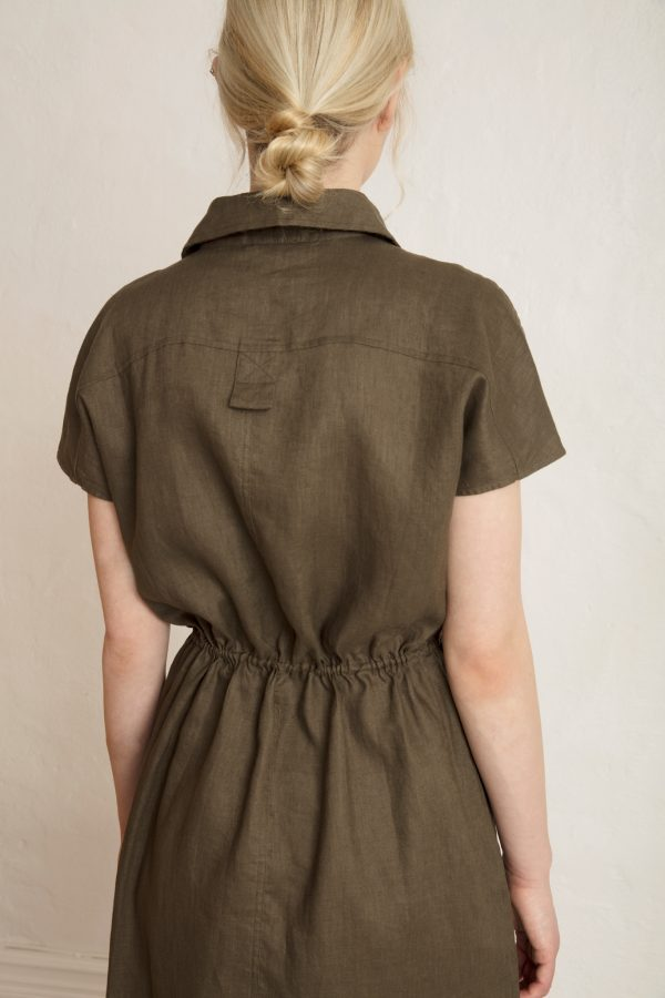 Back close up on Wood Linen Dress Dark Pine