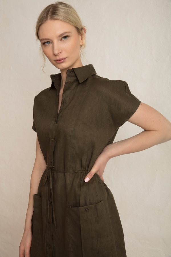 Close up on Wood Linen Dress in Dark Pine