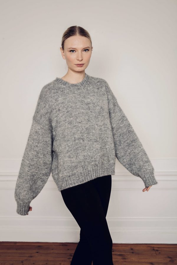 Ire knitted grey sweater