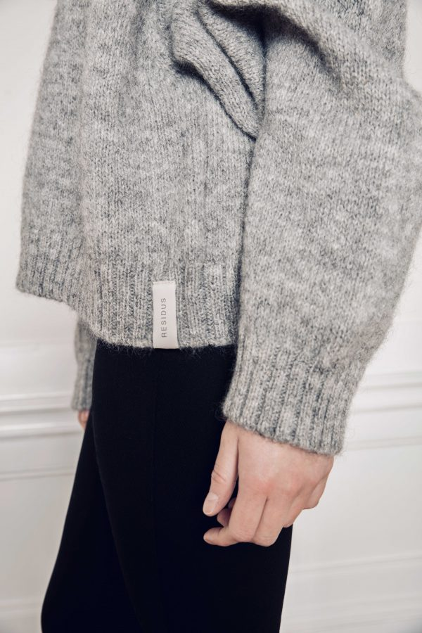 Ire knitted grey sweater with RESlDUS Logo print close up