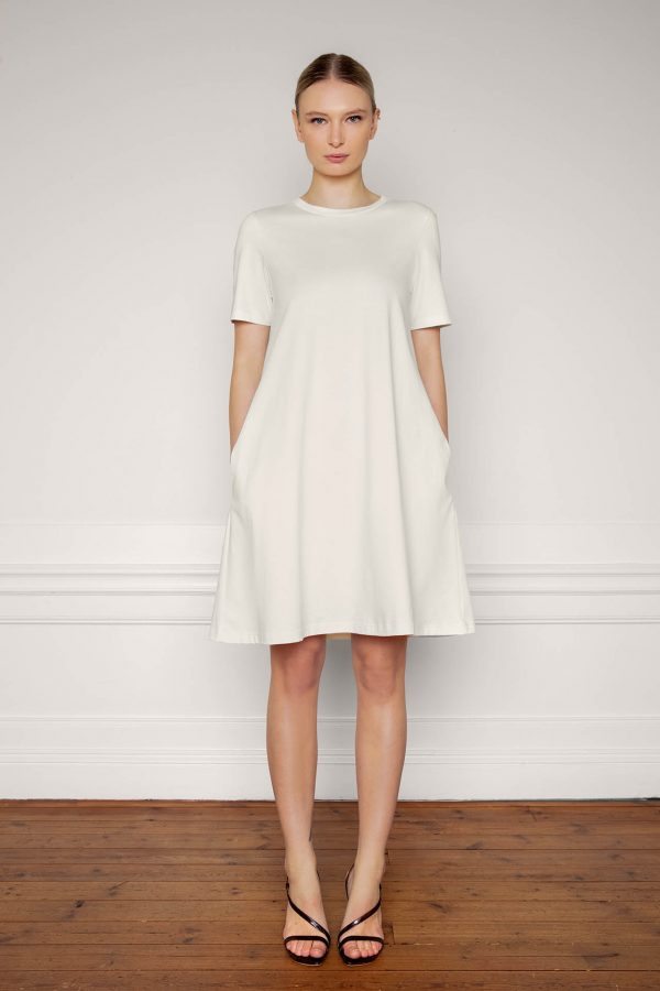 Ofelia Cotton Dress in color shell untied with side pockets