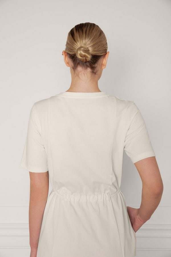 Ofelia Cotton Dress in color shell tied from the the back, close up