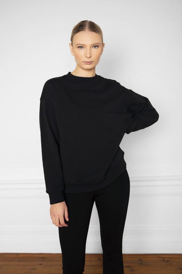 Girl wearing Ricon Organic Cotton Sweatshirt Black