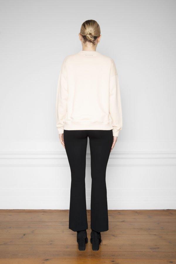 Ricon White Sand Sweatshirt with Lala Ecovero Flare Pants Black