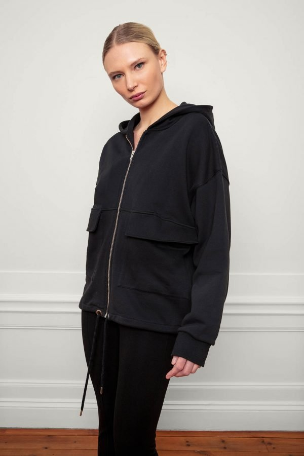 RobinSweat Jacket Black with hood, front zip and side pockets
